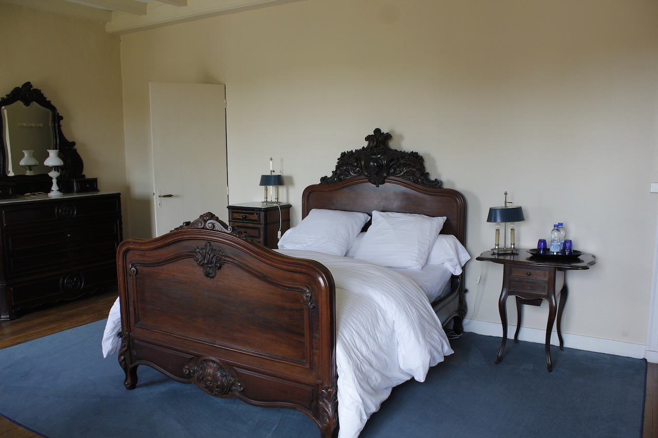 bnb-batonnier-room-double-bed