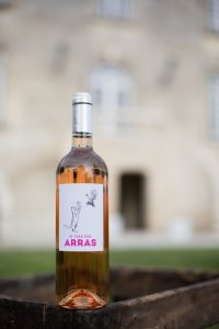 chateau-des-arras-wine -bottle -rose-cat-chicken-label